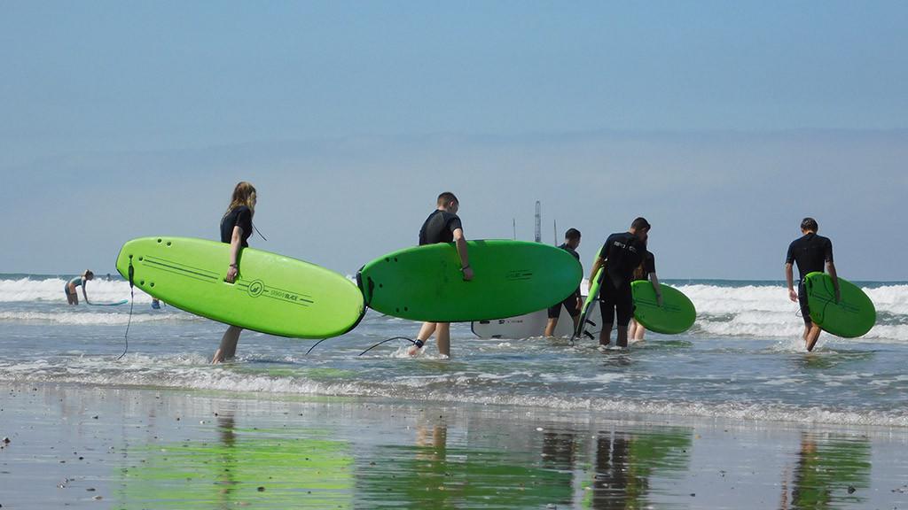 Feriencamp_Kalifornien_Surfen_Jugendliche