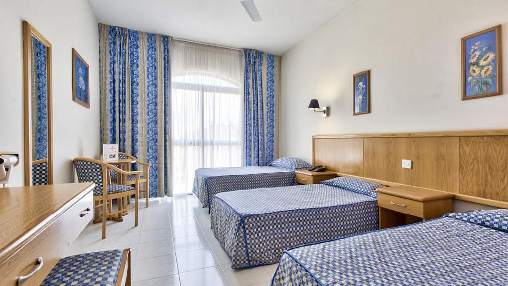 accommodation-malta-adults_1
