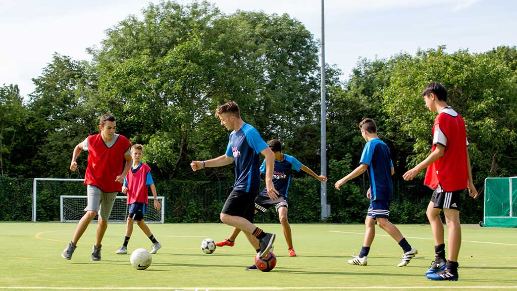 fussball-camp-cambridge-english-1