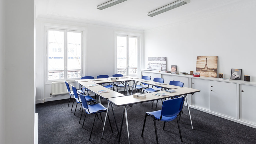FL_Paris_Victor_Hugo_-_Classroom