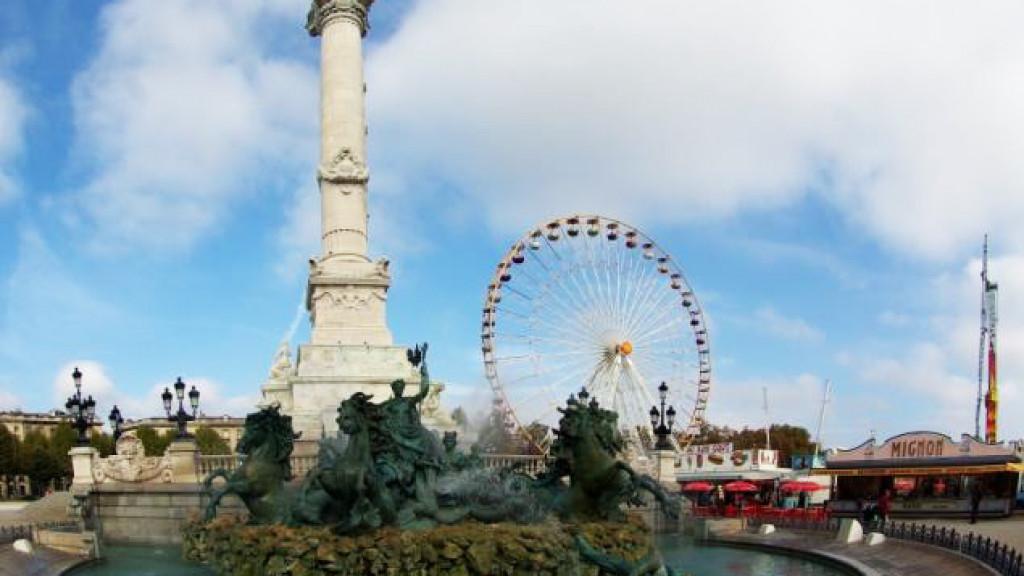 Bordeaux_-_Place_des_Quinconces