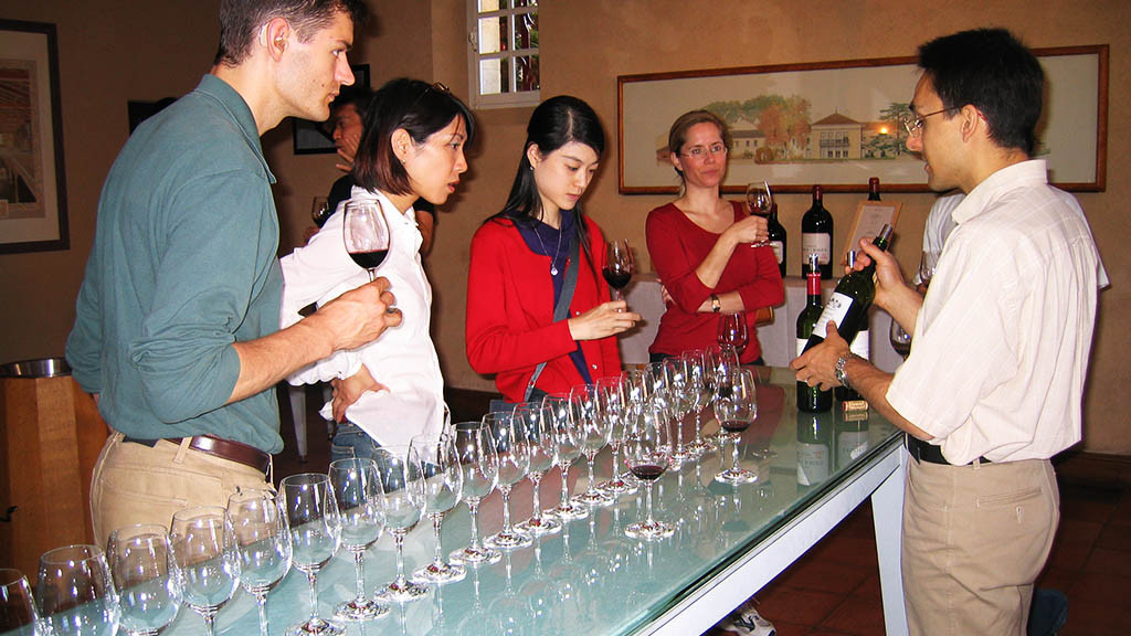 Bordeaux_-_Wine_tasting_2