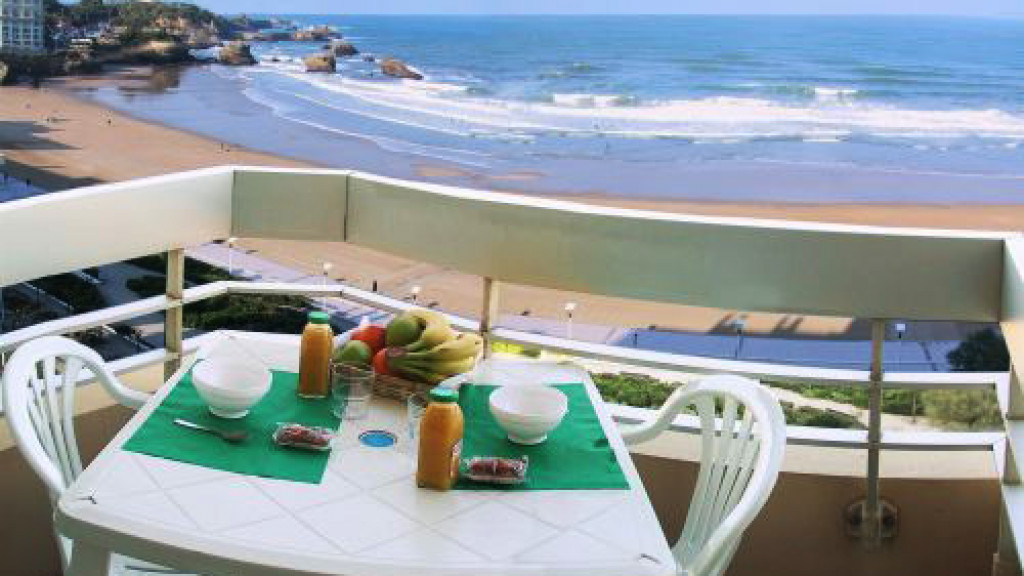 Biarritz_-_Accommodation_-_Victoria_surf