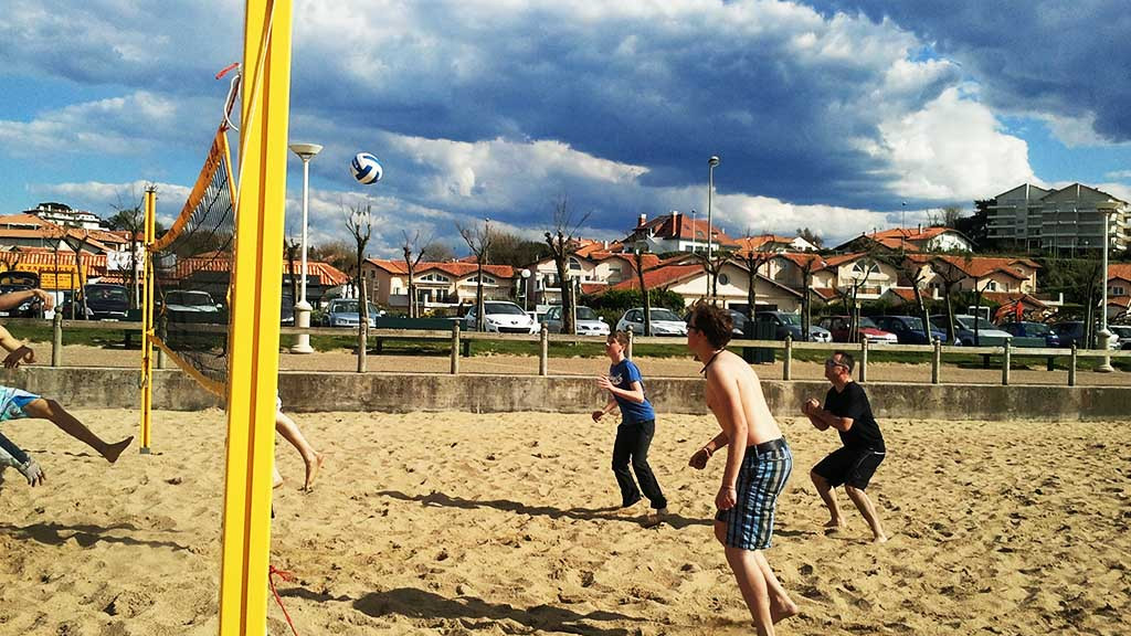 Biarritz_-_Activities_-_Beach_volley