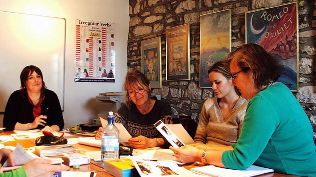 Cours_d'anglais_pour_adultes_à_Galway,_leçons_en_petit_groupe