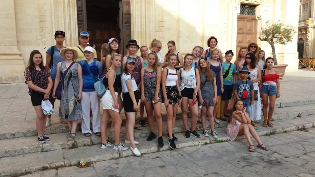 Sprachaufenthalt_für_Jugendliche_-_Malta_-_Sandstrände_-_Studenten
