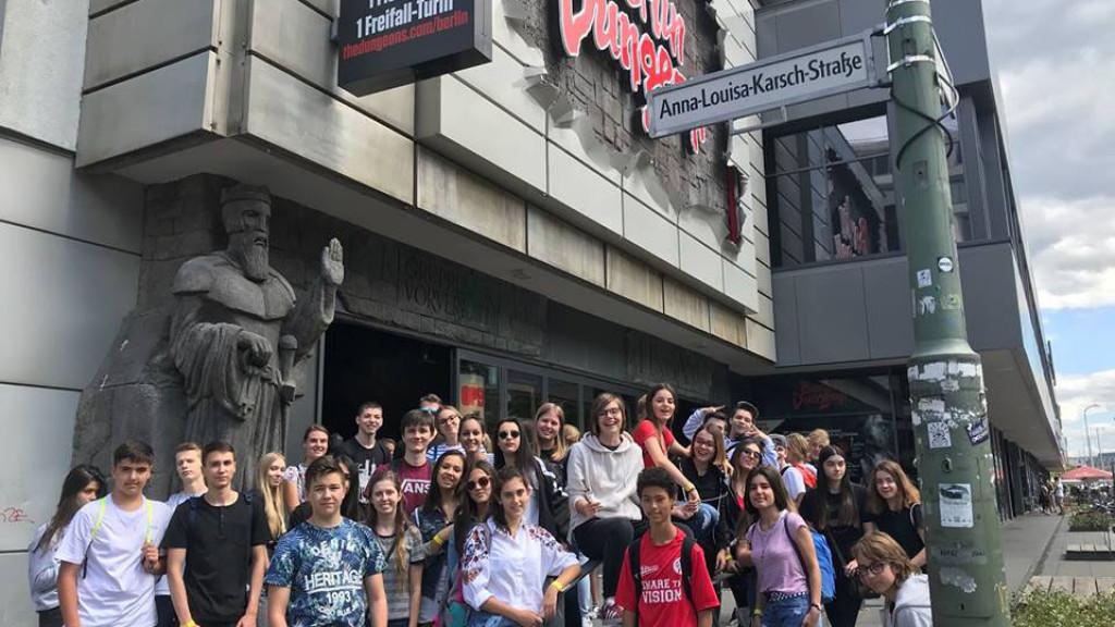 Berlin_-_Spree_-_cours_d'allemand_-_s'amuser_dans_la_ville_avec_des_enfants_et_adolescents-1