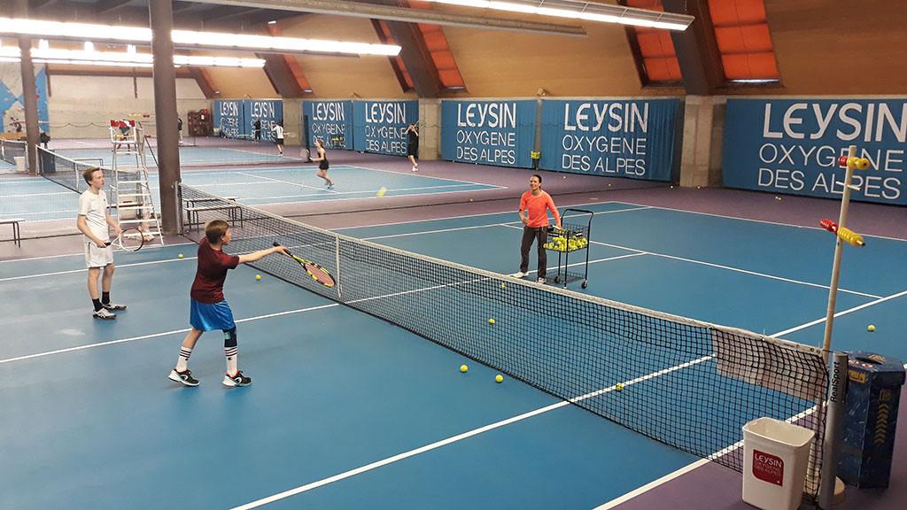 Learn_French,_English_or_German_in_Switzerland_-_Lieysin_-_Spring_-_Tennis