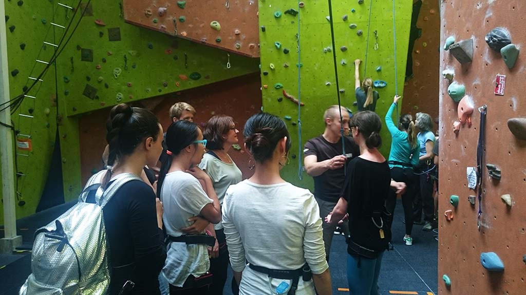 sprachaufenthalt_england_Climbing_activity