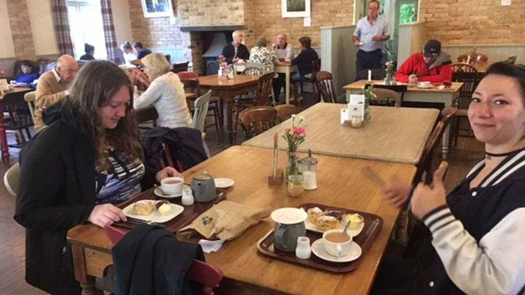 sprachaufenthalt_england_Excursion_Dartmoor_Widecombe_Cream_Tea_GC_17