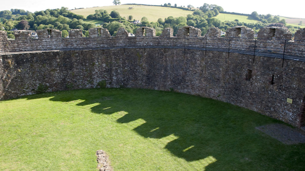 sprachaufenthalt_england_Inside_castle_Totnes