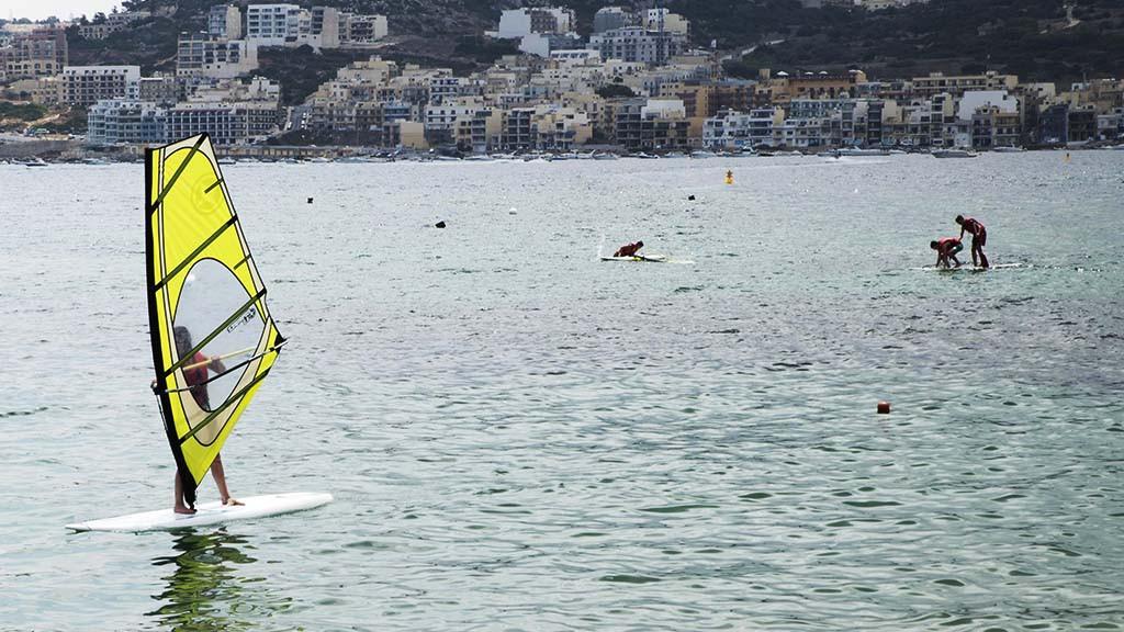 sprachaufenhalt-englisch-malta-surf