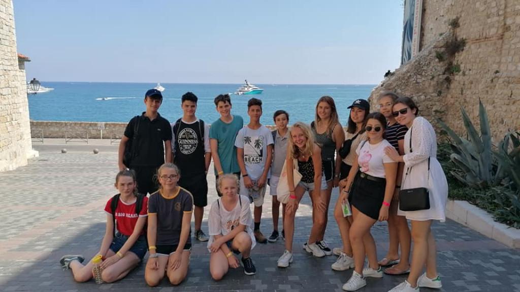 Franzosischunterricht_und_Ausflugen_fur_Jugendliche_Antibes