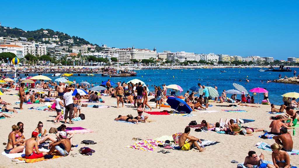 sprachaufenthalt-franzosisch-cannes-beach