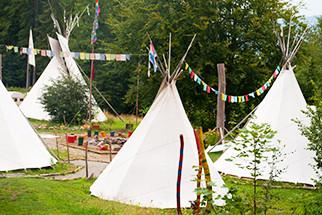 Im Indianercamp von Frilingue im Tipi leben