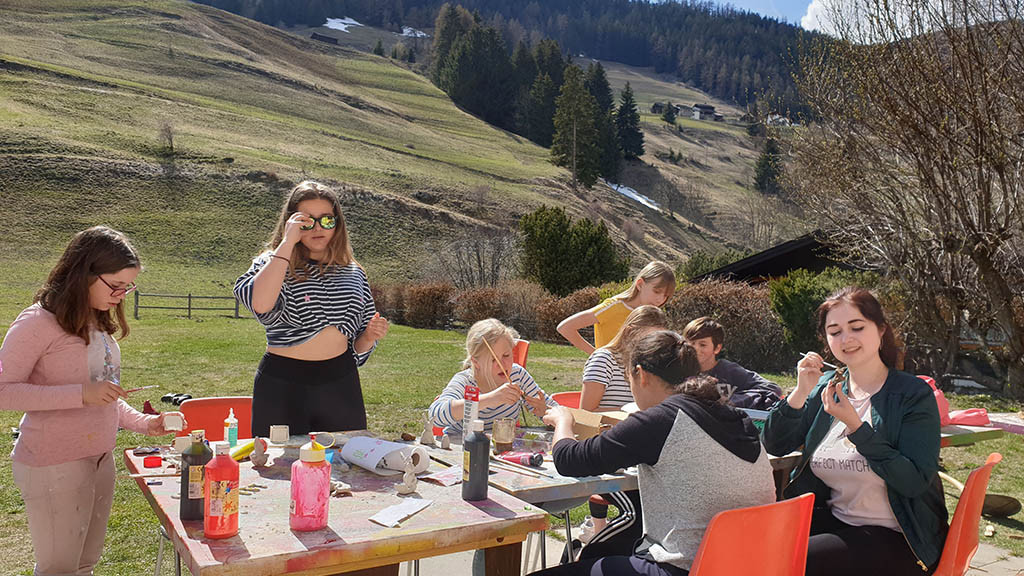 Valais_-_Switzerland_-_language_camp_for_children_and_teenagers_-_spring