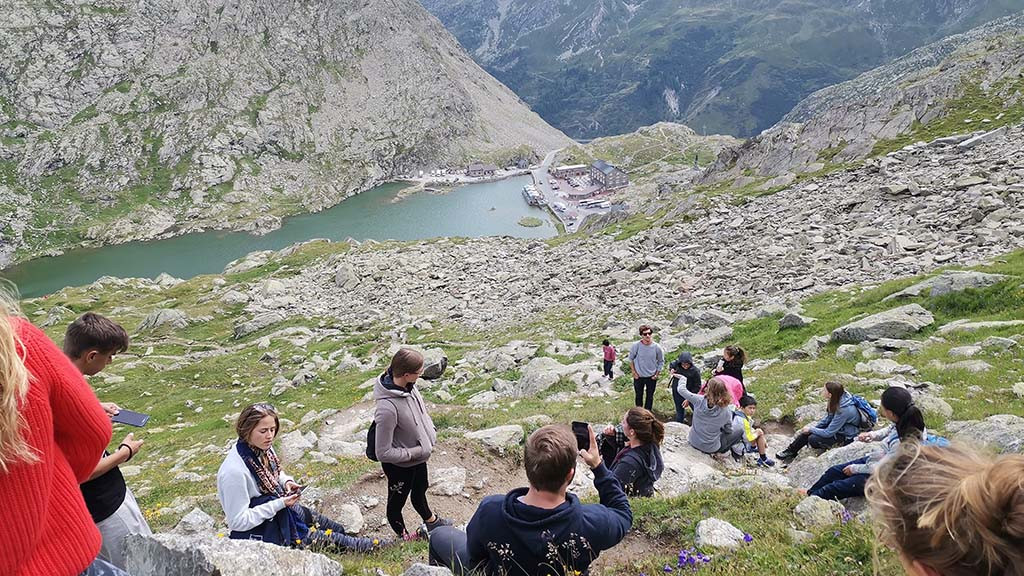 Liddes_Switzerland_kids_learning_English,_German_or_French