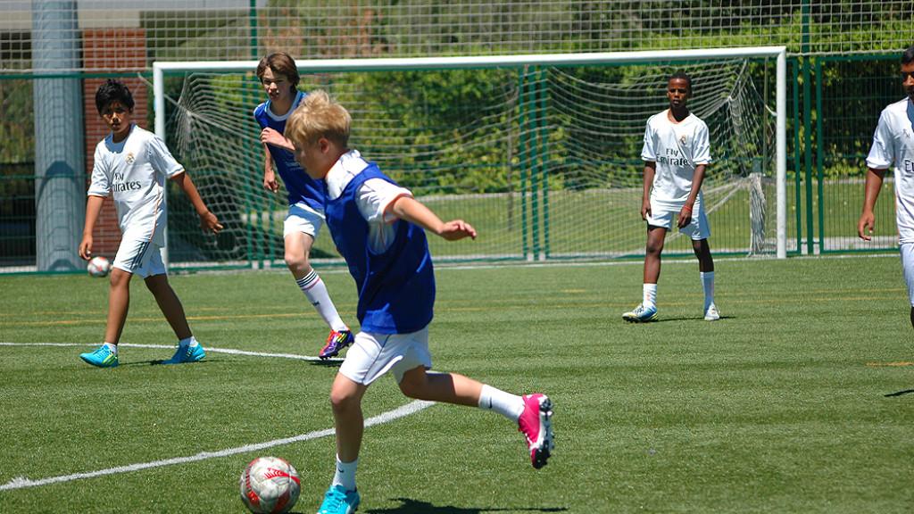 soccer-camp-spain-team